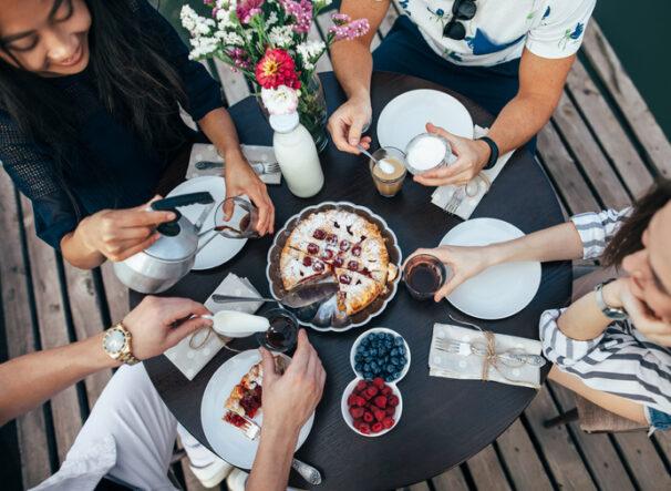 friends sharing pie