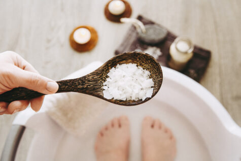 Adding Magnesium Chloride salt in foot bath