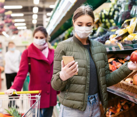 woman shopping with nutrition app