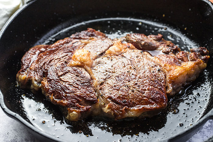 how to cook steak cast iron