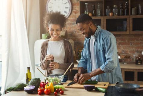 couple making dinner