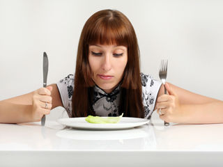 7-Ways-to-Overcome-Food-Anxiety-320x240